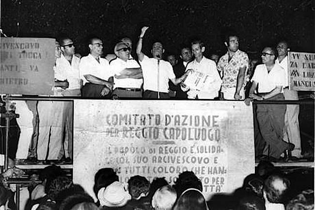 Comizio di Ciccio Franco che incita alla rivolta i cittadini di Reggio Calabria.