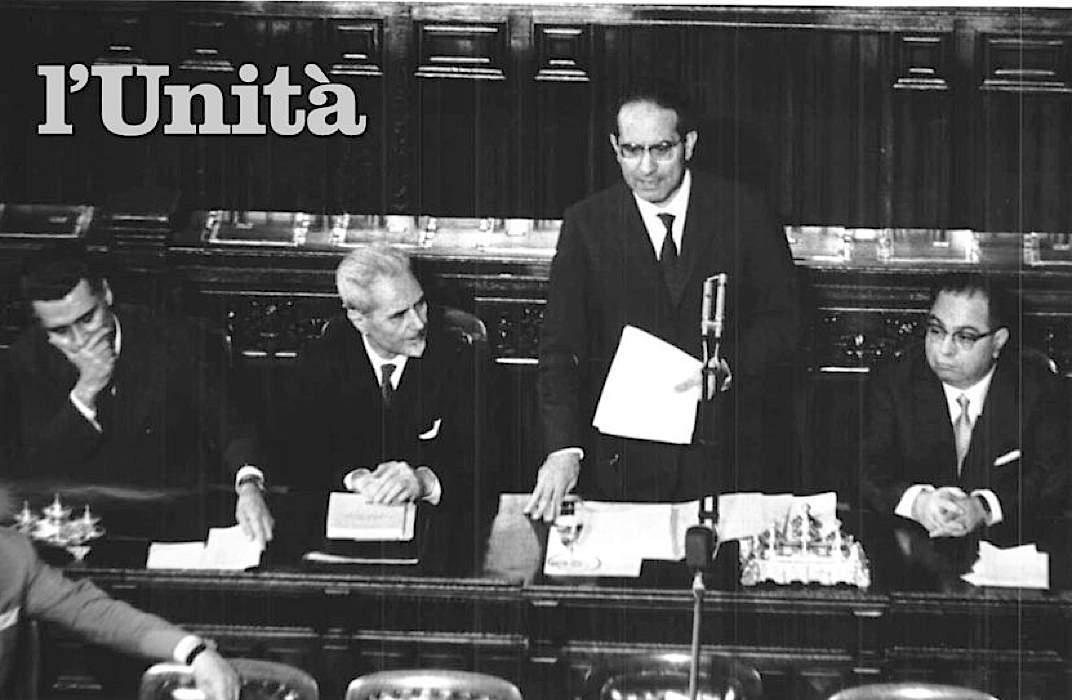 Emilio Colombo presenta il suo governo al Parlamento.
