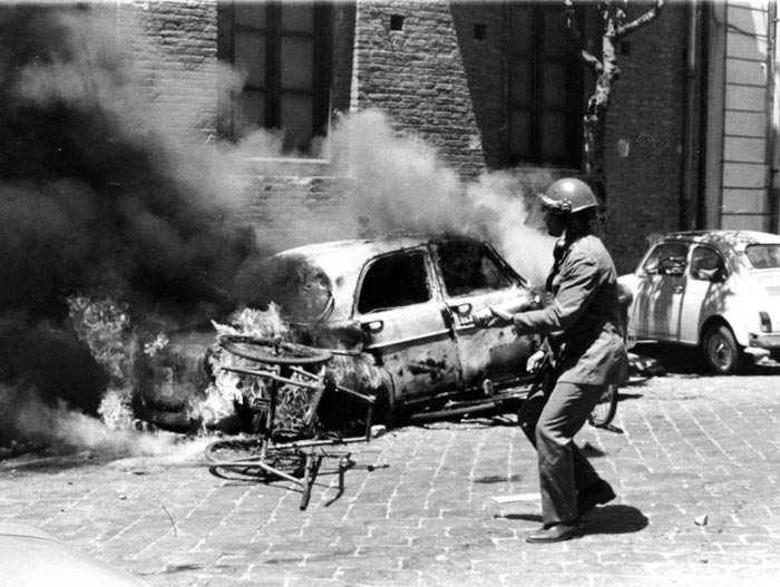 Scontri durante la rivolta di Reggio Calabria.