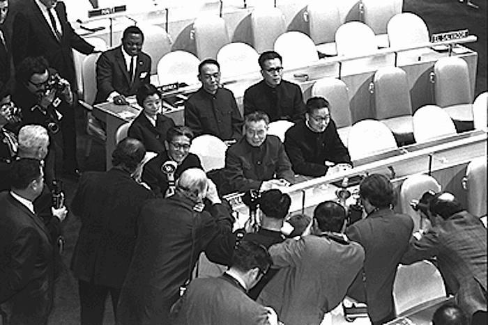 La delegazione cinese all'Onu siede per la prima volta nell'aula del Palazzo di vetro.
