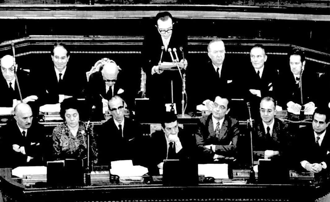 Andreotti illustra al Parlamento il suo programma di governo.