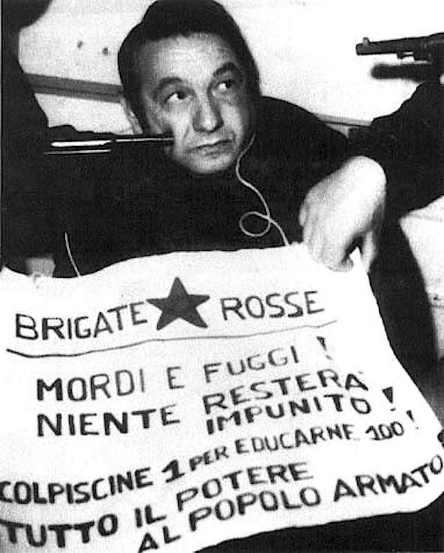 Macchiarini, sequestrato dalle Brigate rosse, nella foto inviata dai sequestratori.