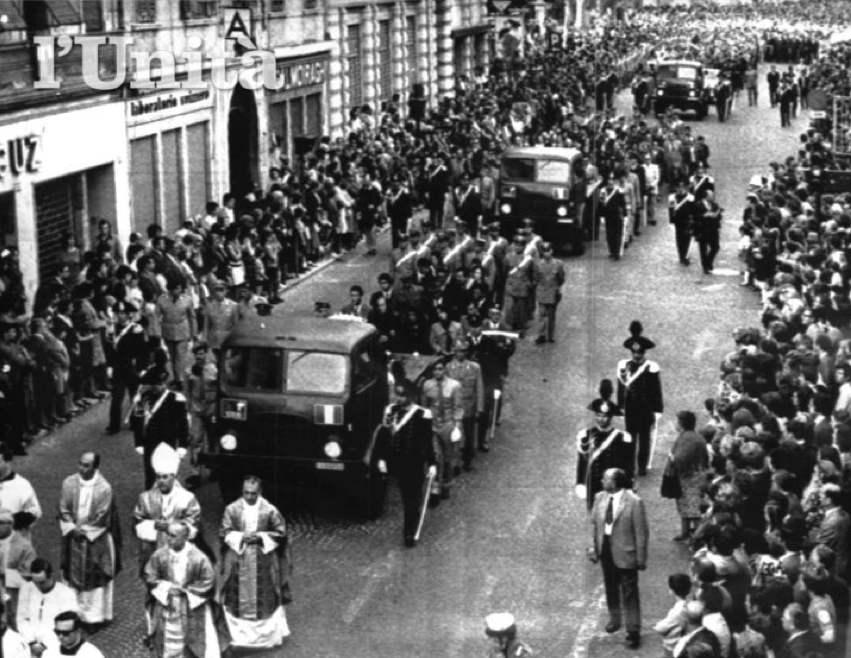 I funerali delle vittime di Peteano.
