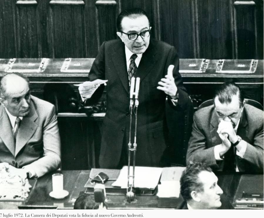 Andreotti presenta il suo II governo al Parlamento.