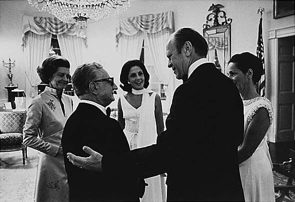 Il Presidente Giovanni Leone in visita negli Usa incontra il Presidente Gerald Ford, successore di Nixon.