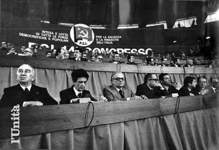 Lo stato maggiore del Pci durante i lavori del XIV congresso.