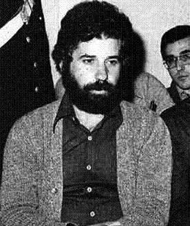Il secondo arresto del brigatista Renato Curcio a Milano il 18 gennaio 1976.