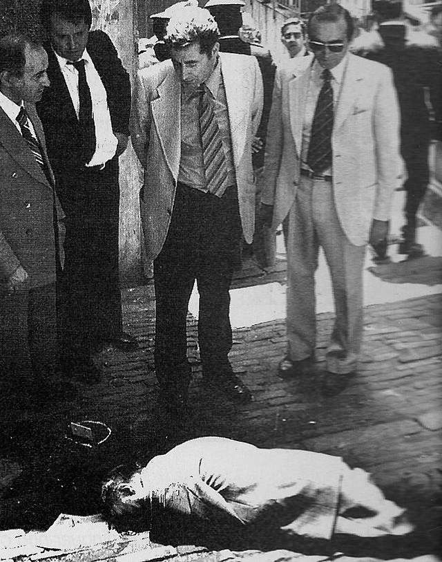 Il corpo del procuratore di Genova Francesco Coco ucciso dalle Brigate rosse l'8 giugno 1976.