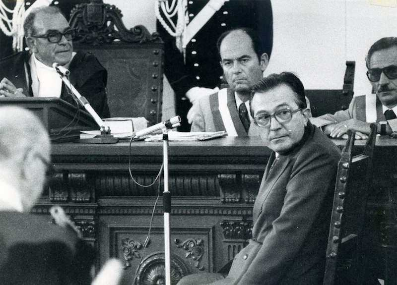 Nel gennaio 1977 a Catanzaro si apre il quarto processo per la strage di piazza Fontana; in settembre sarà chiamato a deporre Giulio Andreotti (nella foto).