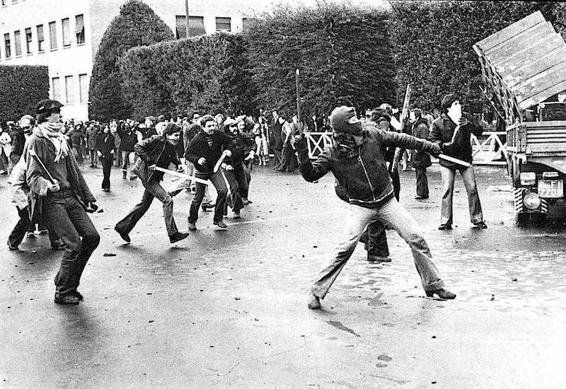 Gli scontri seguiti al comizio di Lama all'Università di Roma.