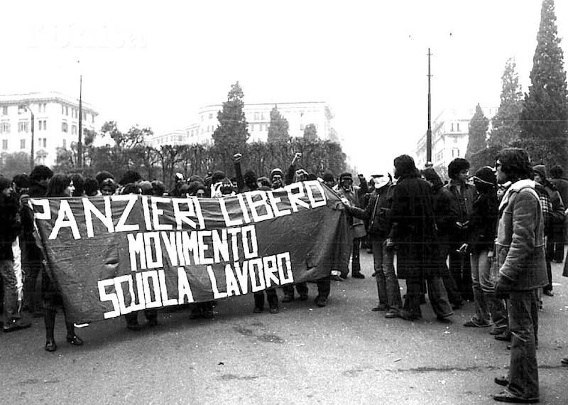 Manifestazione a sostegno di Fabrizio Panzieri.