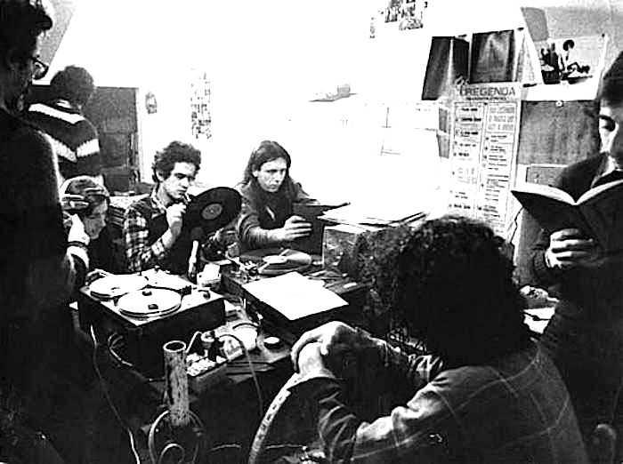 La redazione di radio Alice, anima e strumento del movimento bolognese nel '77.