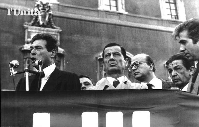 Lama, Craxi e Berlinguer durante la manifestazione romana contro l'assalto brigatista di piazza Nicosia.