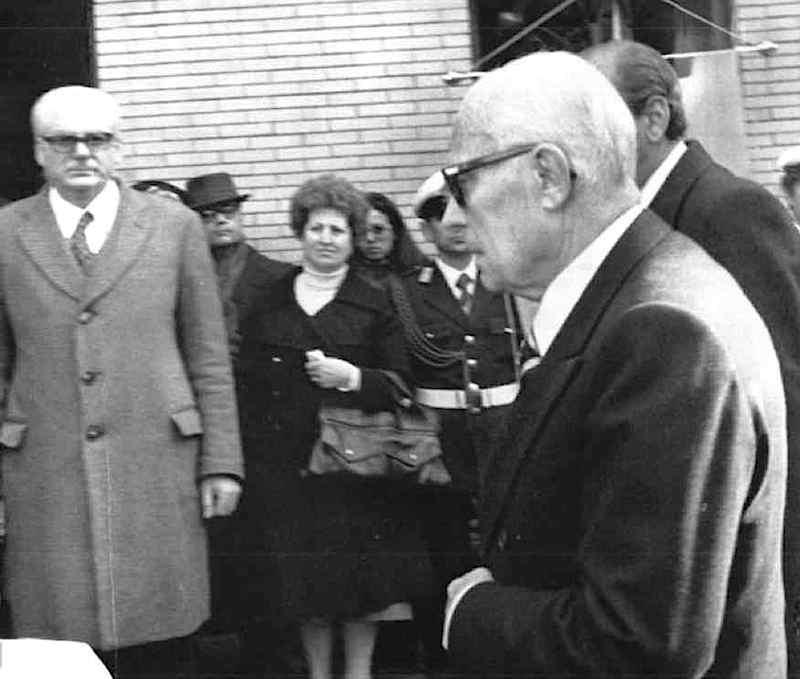 Il Presidente Pertini al funerale del maresciallo Domenico Taverna.