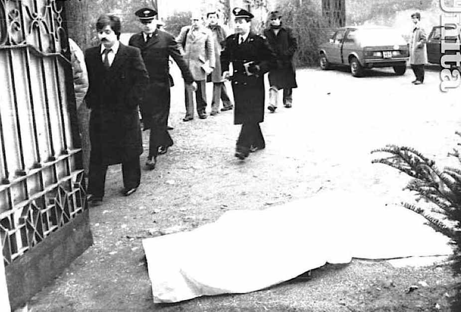 Un commando di Prima linea uccide a Monza Paolo Paoletti, dirigente dell'Icmesa di Seveso, fabbrica da cui fuoriuscì nel 1976 la nube tossica di diossina.