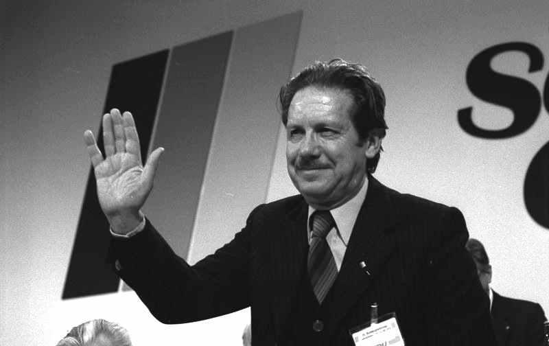 Flaminio Piccoli, segretario della Dc dal 5 marzo 1980.