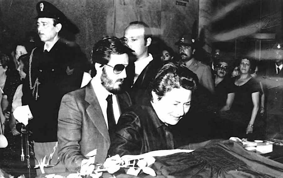 I familiari ai funerali del procuratore capo di Palermo Gaetano Costa, ucciso dalla mafia il 6 agosto 1980.