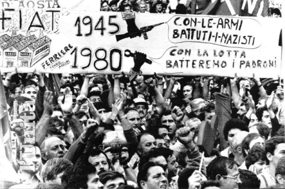 Manifestanti a Torino durante lo sciopero generale dei metalmeccanici del 25 settembre 1980.