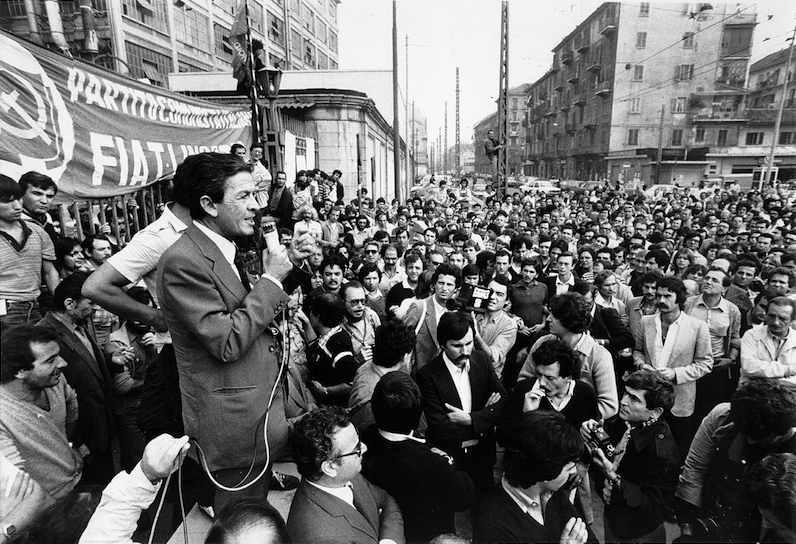 Enrico Berlinguer il 26 settembre 1980 porta il sostegno del Pci alla lotta degli operai Fiat.
