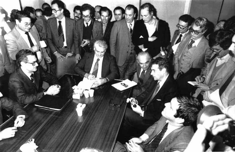 La firma dell'accordo che chiude il 15 ottobre 1980 la vertenza Fiat.