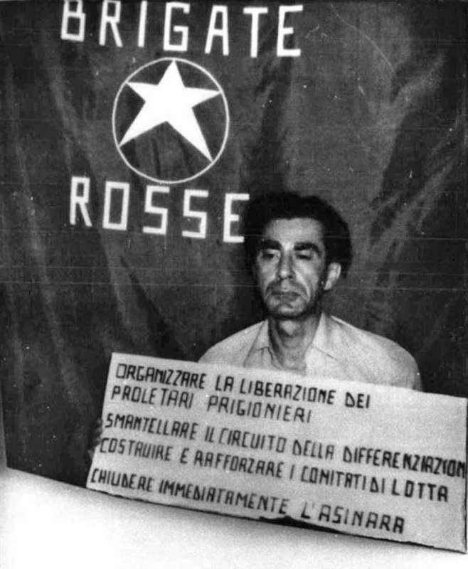 Giovanni D'Urso, sequestrato dalle Br, nella foto trovata a seguito di varie telefonate.