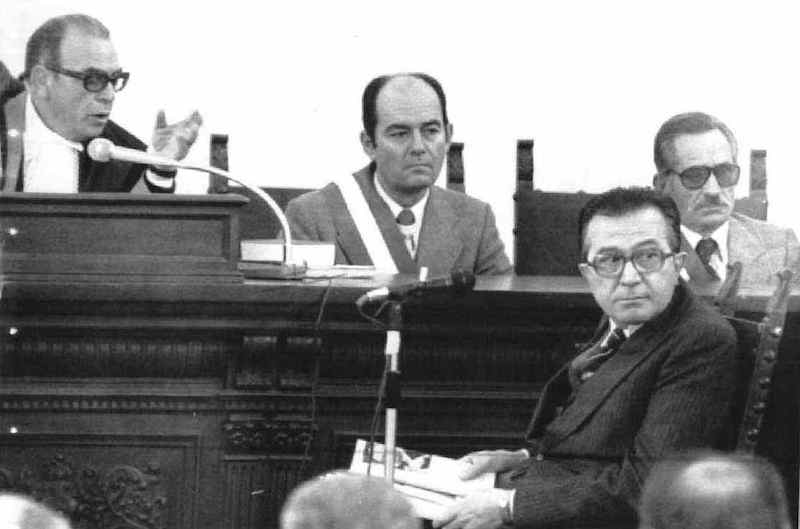 Giulio Andreotti durante la sua deposizione davanti al tribunale di Catanzaro per il processo d'appello per la strage di piazza Fontana.
