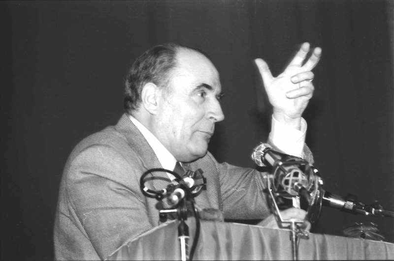 rançois Mitterrand durante la vittoriosa campagna presidenziale del 1981.