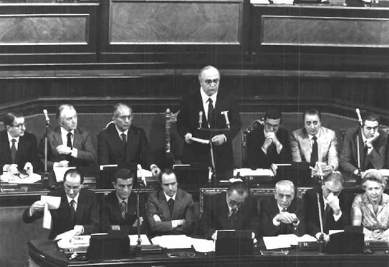 Spadolini presenta al Parlamento il suo I governo.
