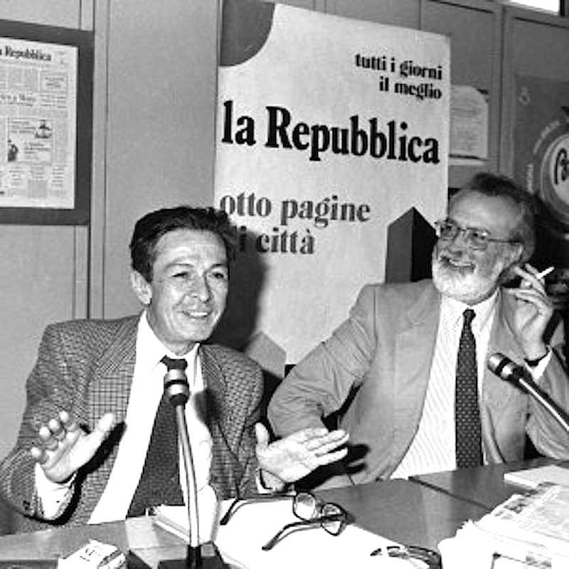 Enrico Berlinguer ed Eugenio Scalfari nella sede di Repubblica per l'intervista del 28 luglio 1981.