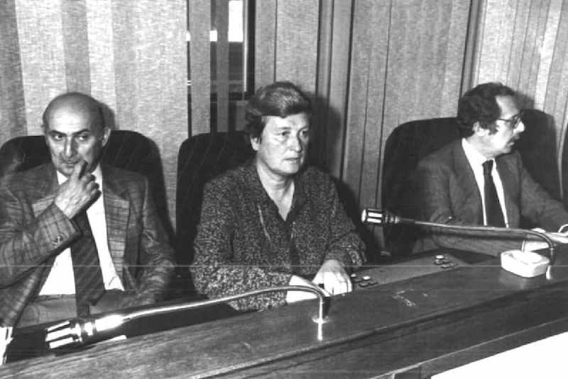 Tina Anselmi (al centro) chiamata a presiedere la commissione parlamentare sulla loggia P2, commissione istituita il 16 settembre 1981.