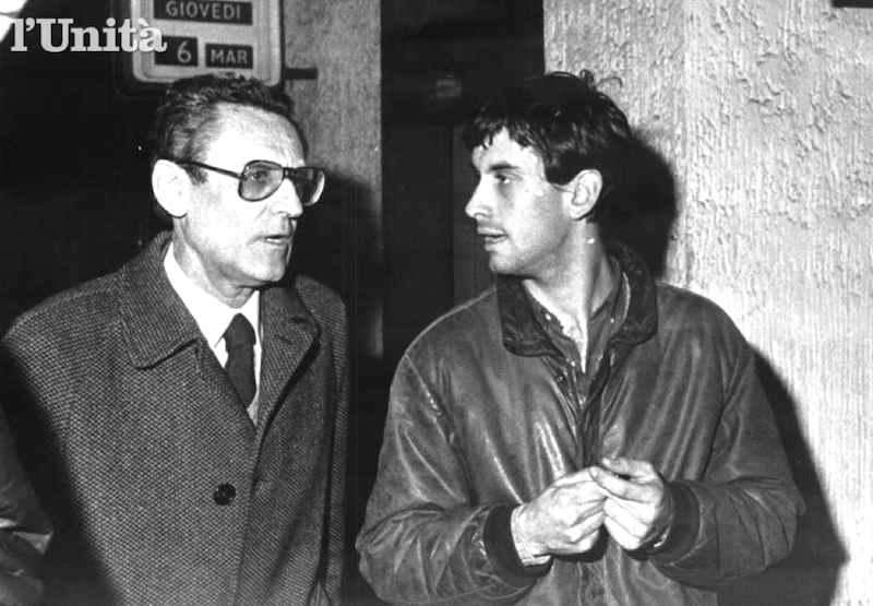Alessandro Alibrandi, terrorista nero e figlio del giudice Antonio (in foto con il figlio), muore in un conflitto a fuoco con la polizia a Roma il 7 dicembre 1981.