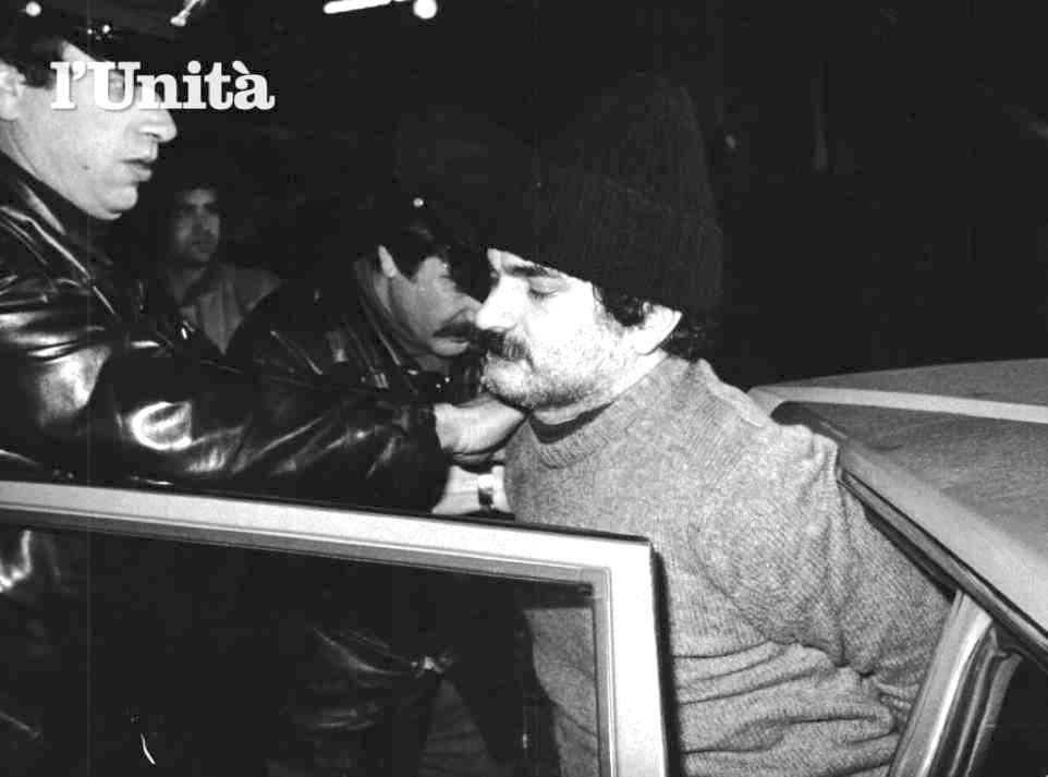 L'arresto del brigatista Giovanni Senzani, avvenuto a Roma il 9 gennaio 1982.