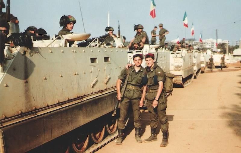 Soldati del contingente italiano sbarcato in LIbano il 26 agosto 1982.