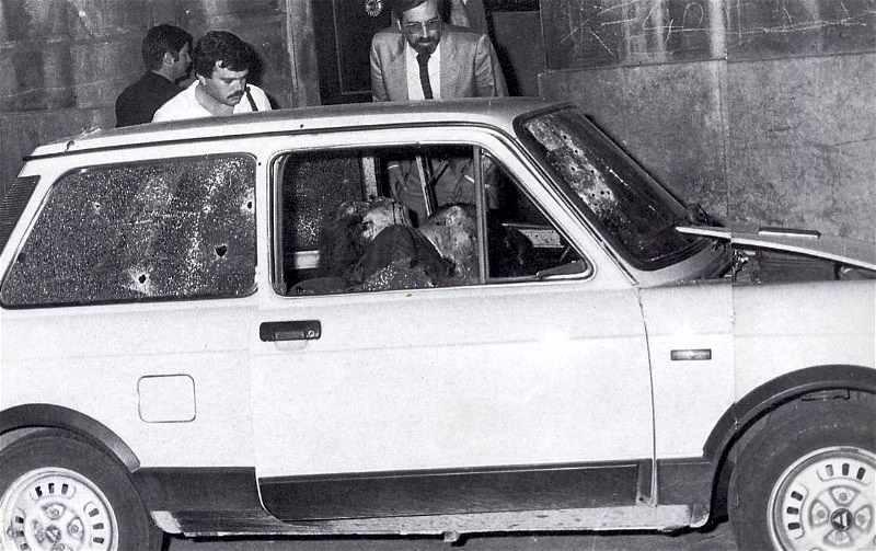 L'auto su cui sono stati assassinati dalla mafia il gen. Dalla Chiesa e sua moglie il 3 settembre 1982 a Palermo.