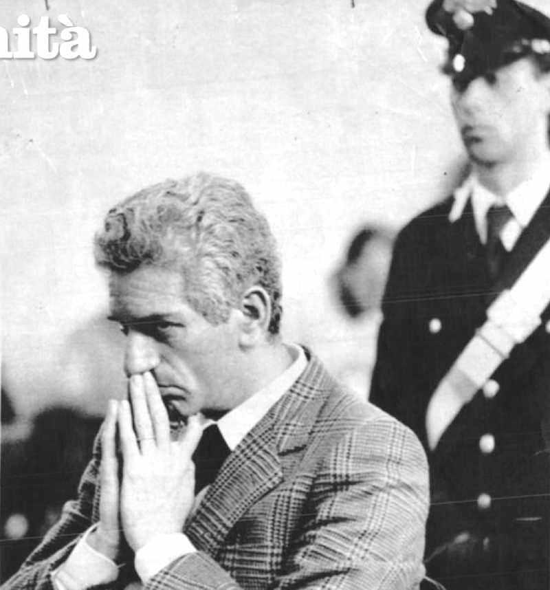 Alberto Teardo, ex Presidente della Regione Liguria, viene arrestato il 14 giugno 1983 per concussione, estorsione e associazione a delinquere. Nella foto, il suo interrogatorio durante il processo del 1985.