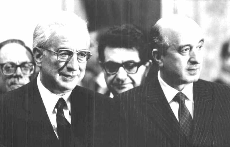 Ciriaco De Mita (a destra) con il Presidente Cossiga che lo ha designato alla Presidenza del Consiglio.