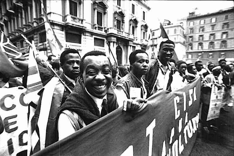 Manifestazione nazionale antirazzista a Roma del 7 ottobre 1989 per protestare contro l'uccisione di Jerry Masslo e contro le condizioni disumane dei lavoratori immigrati.