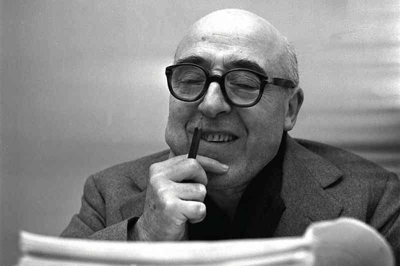 Il 13 ottobre 1989 muore Cesare Zavattini, scrittore, sceneggiatore, regista.