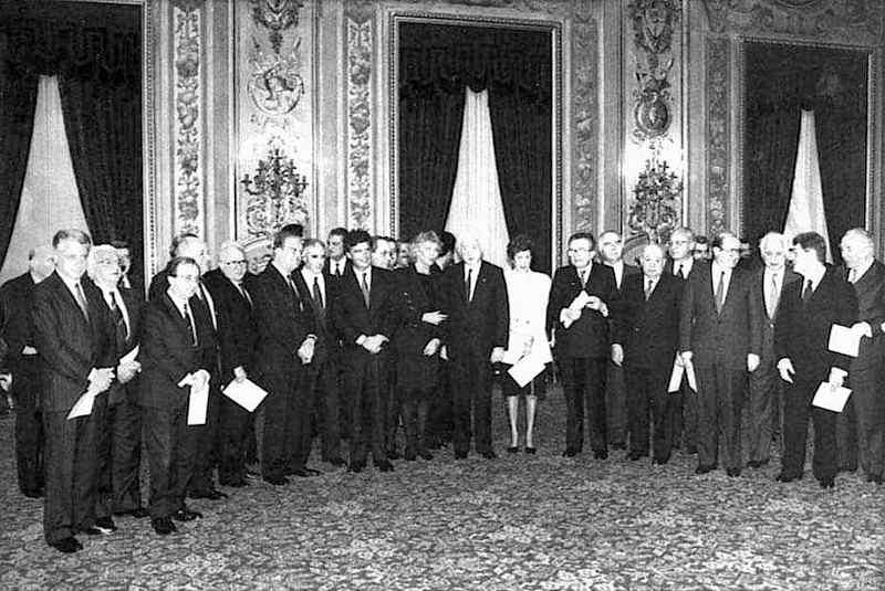 Foto di gruppo del VII governo Andreotti.