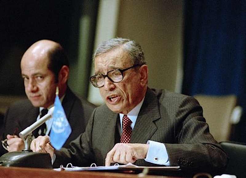 Boutros Ghali, diplomatico egiziano, diviene il nuovo segretario generale dell'Onu dal gennaio 1992.