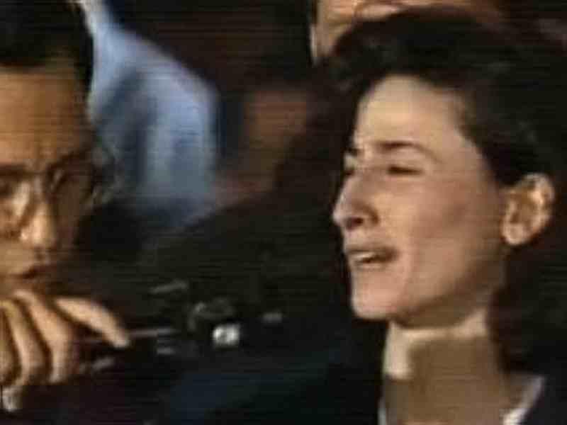 Durante i funerali per le vittime della strage di Capaci la vedova dell'agente di scorta Vito Schifani lesse uno straziante e durissimo atto di accusa contro la mafia.