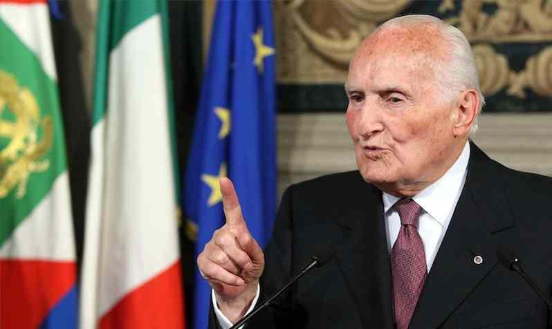 Oscar Luigi Scalfaro eletto presidente della Repubblica il 25 maggio 1992.