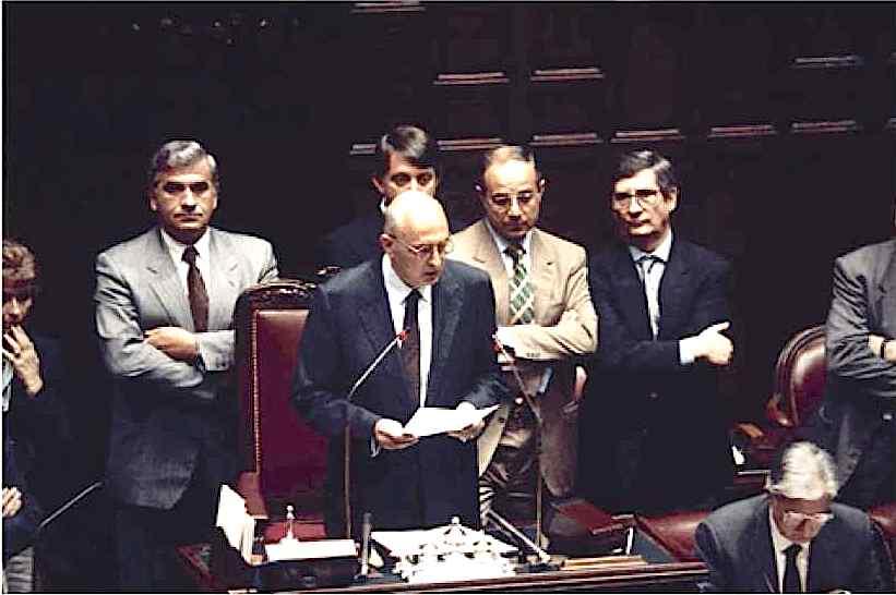 Il 1° giugno 1992 Giorgio Napolitano viene eletto presidente della Camera.
