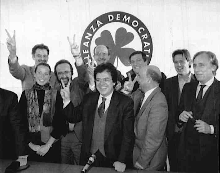Il 17 ottobre 1992 nasce Alleanza Democratica.