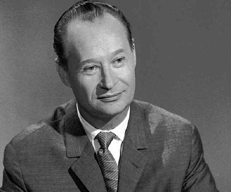 """A Praga il 7 novembre 1992 muore Alexander Dubcek, protagonista della """"Primavera di Praga"""", schiacciata nel 1968 dai carri armati sovietici."""