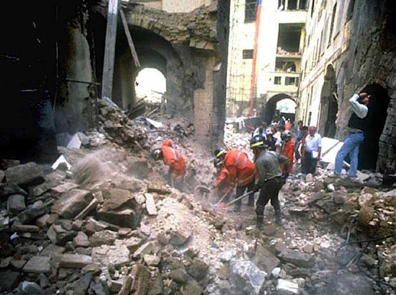 Il 27 maggio 1994 a Firenze una bomba mafiosa provoca la morte di cinque persone.