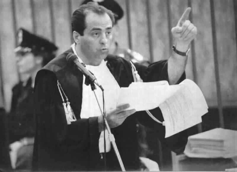 Antonio Di Pietro, pubblico ministero nel processo Enimont, durante una requisitoria.