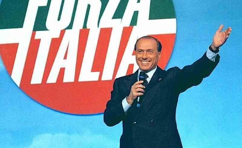 Il 6 febbraio 1994 Berlusconi presenta il programma di Forza Italia.
