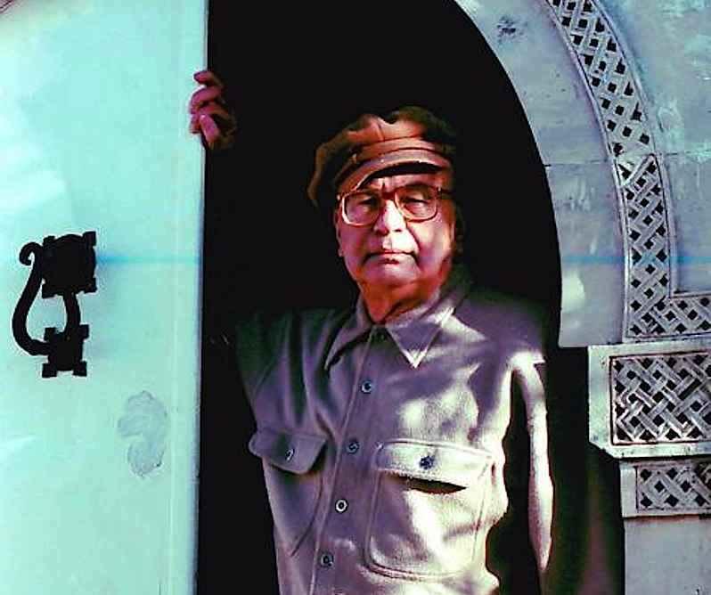Bettino Craxi, temendo l'arresto, il 21 marzo 1994 fugge in Tunisia.
