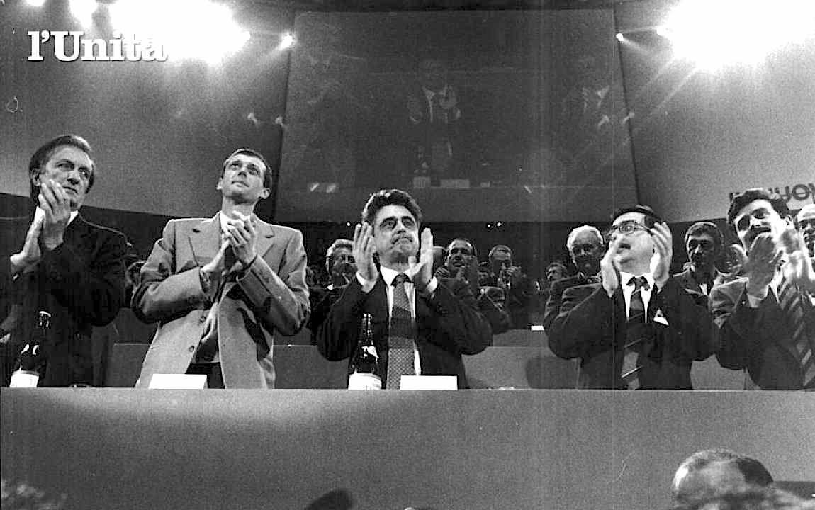 Occhetto e il gruppo dirigente del Pci al XVIII congresso.